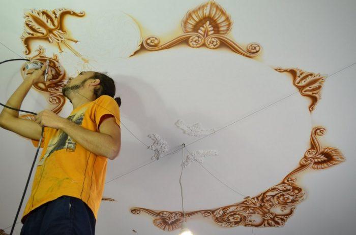 роспись потолка жилого помещения