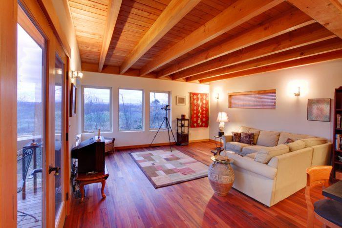особенности деревянных потолков