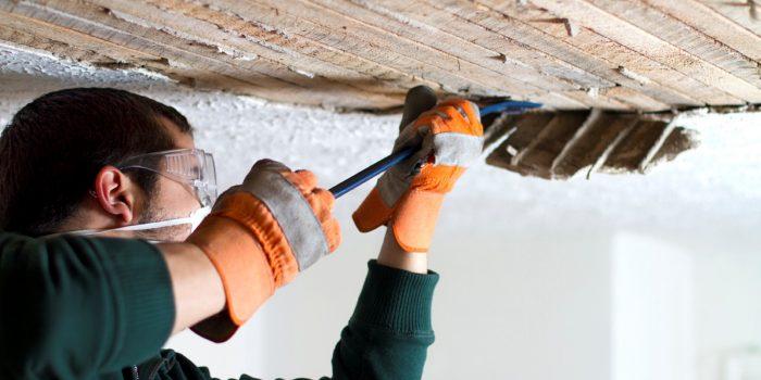 выровнять потолок в деревянном доме