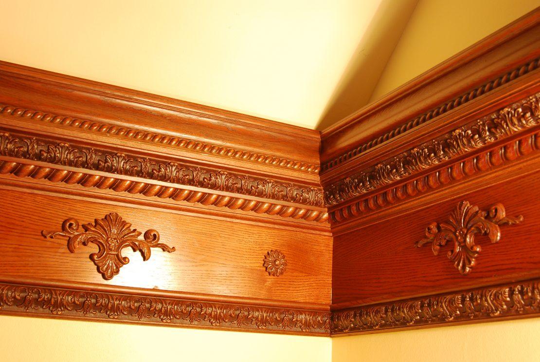 выбор древесины для потолочных плинтусов