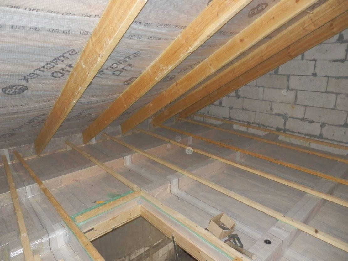 пароизоляция на потолке