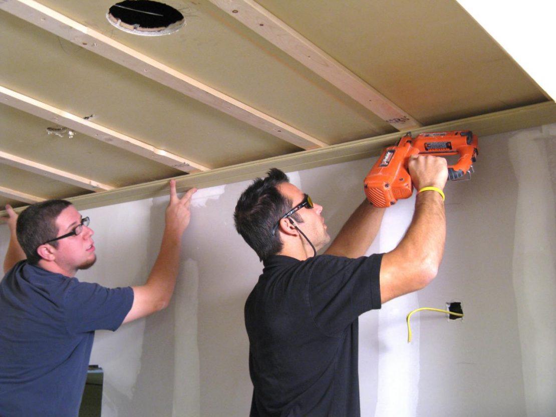 выкладка панелей на потолок
