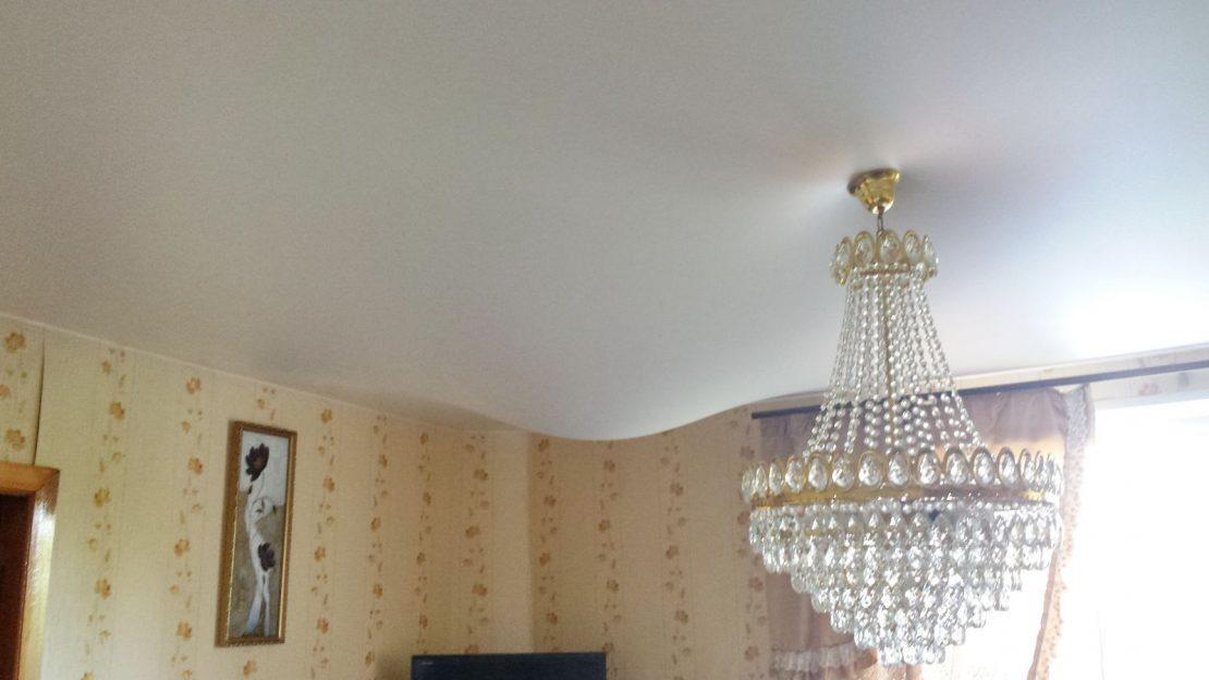 провис натяжной потолок